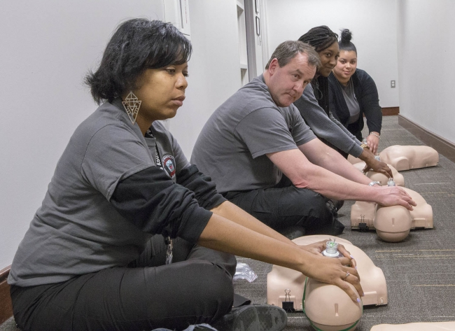 students in CPR training